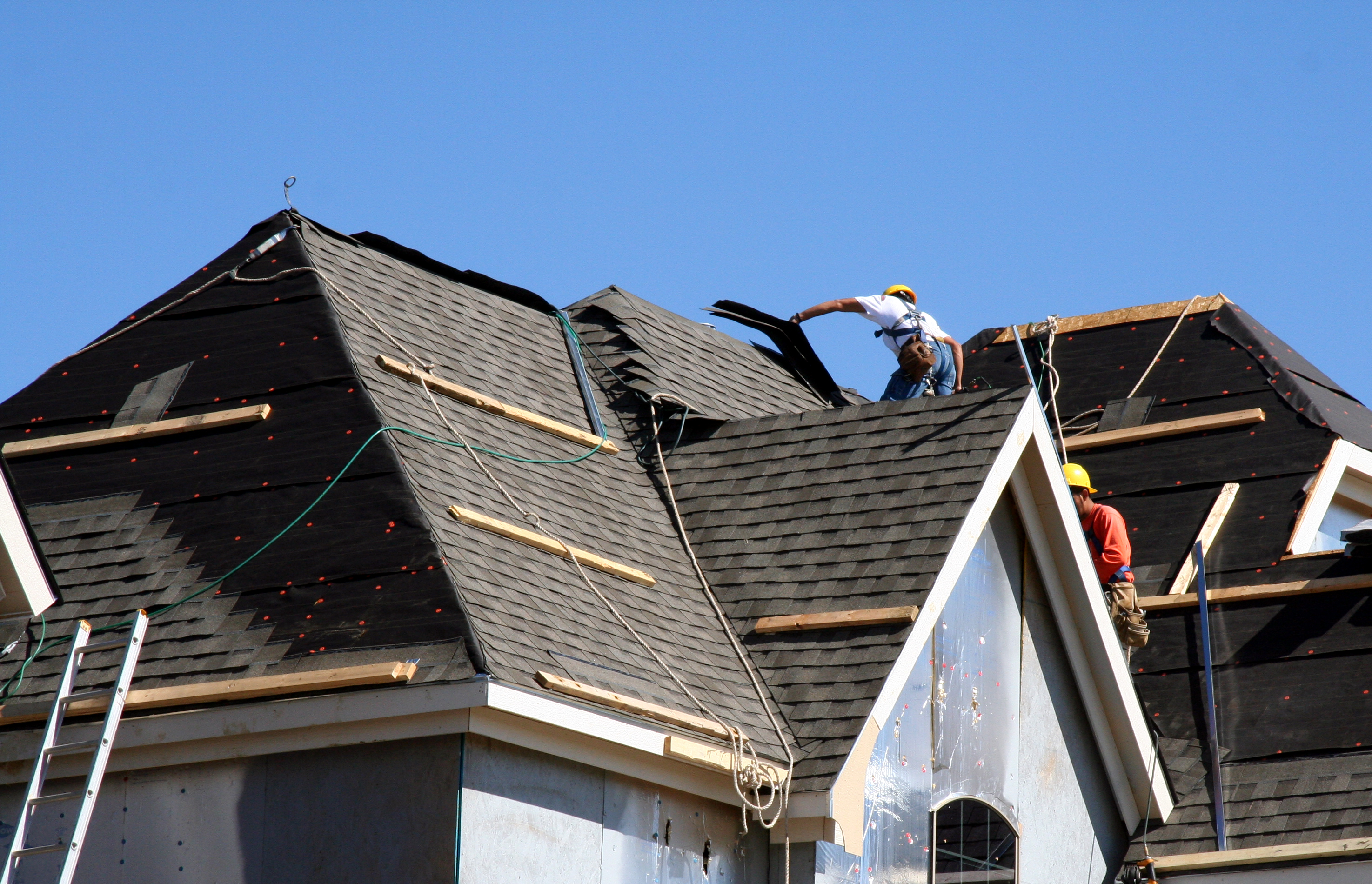 The experts at Thomas Quality Construction provide complete roof installation solutions in the greater Lexington area.